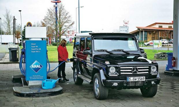 Полный газ сжигает топлива запас