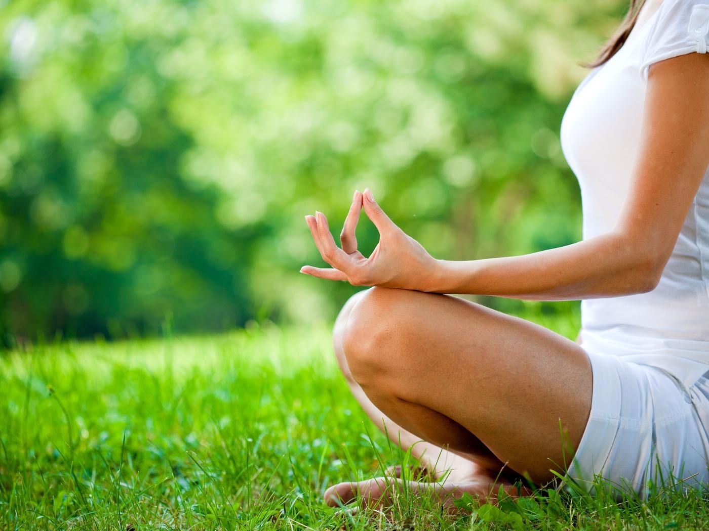 Медитация улучшает работу мозга