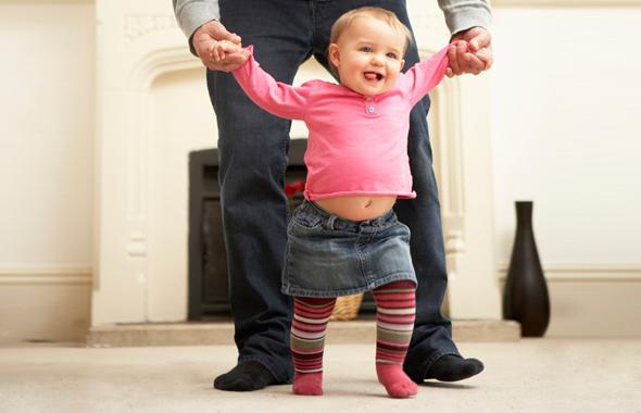 Учим малыша ходить