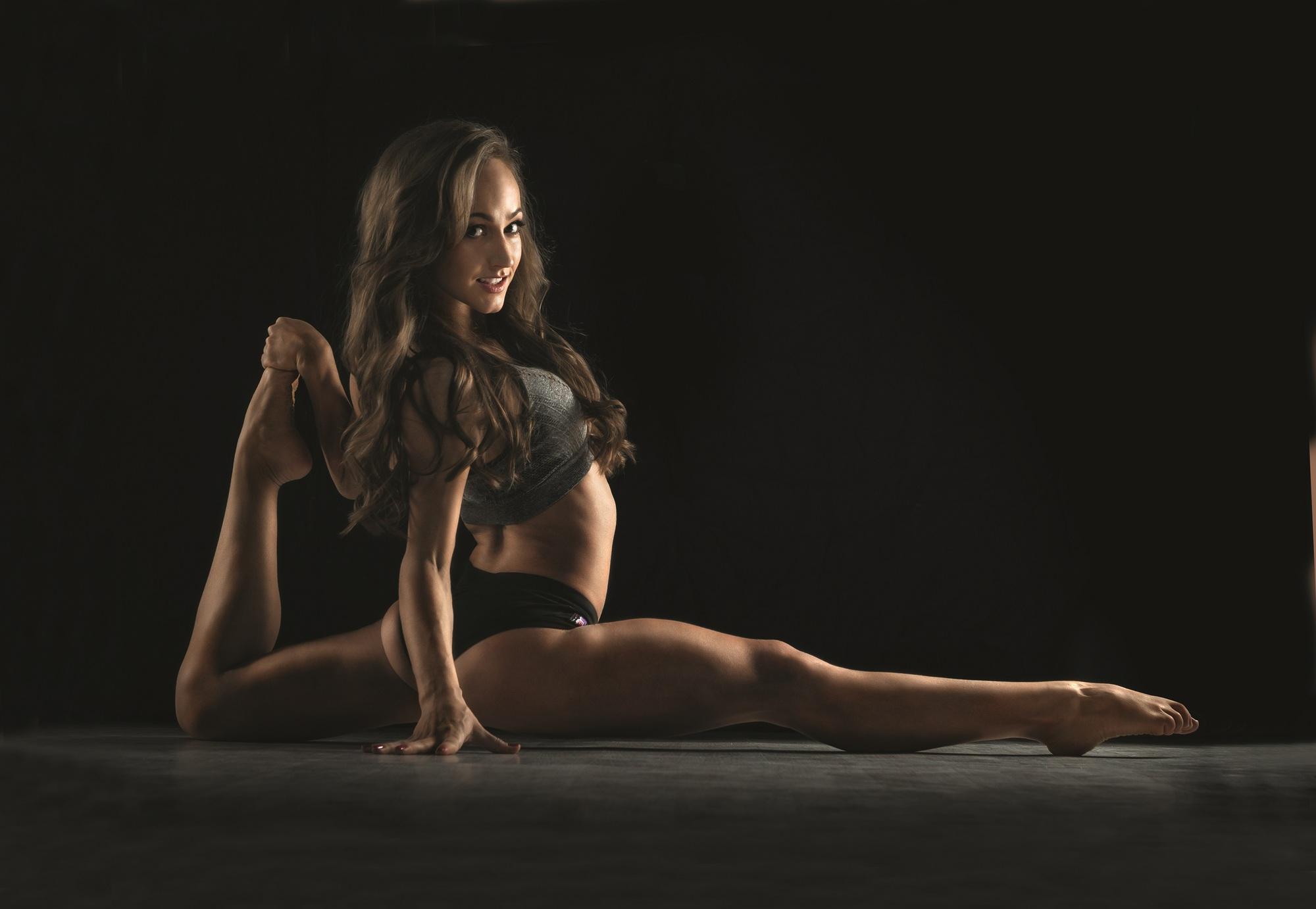 Как танцы на пилоне вдохновляют на занятия спортом и женщин, и мужчин